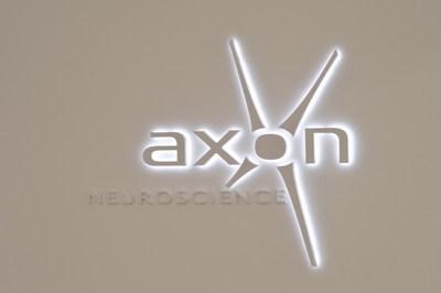 AXON feiert ersten Meilenstein bei Phase-1-Studie zu AADvac1 bei nfvPPA