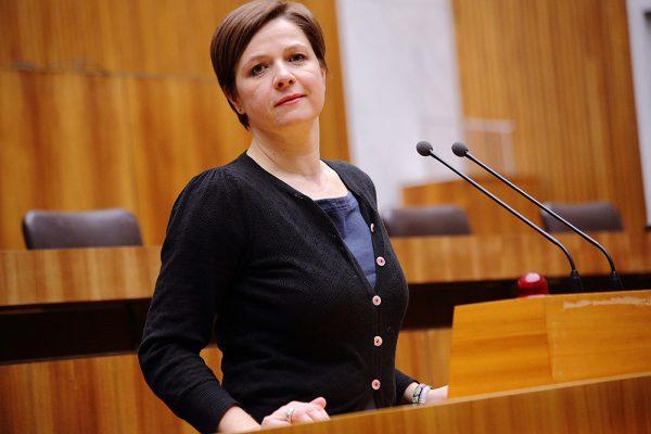 AT: Schwentner/Hebein: Pflegebedürftigkeit darf nicht zur Kürzung der Mindestsicherung für Familien führen