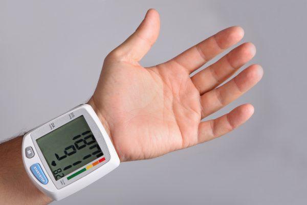 Risiken und Nutzen bei der Veränderung der Leitlinien zur Definition von Bluthochdruck