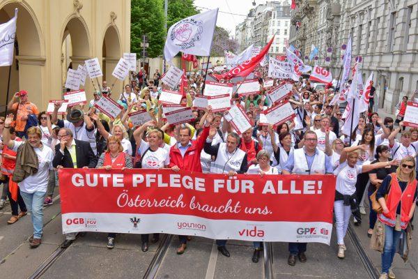 AT: Tag der Pflege - Die Demonstration in Österreich