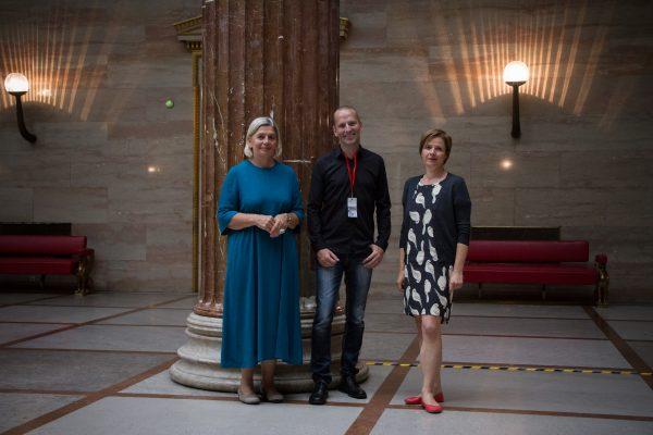"""AT: """"Sicher und fair , jetzt und in der Zukunft."""" - Interview mit Dr. Eva Mückstein & Mag. Judith Schwentner (Die Grünen)"""