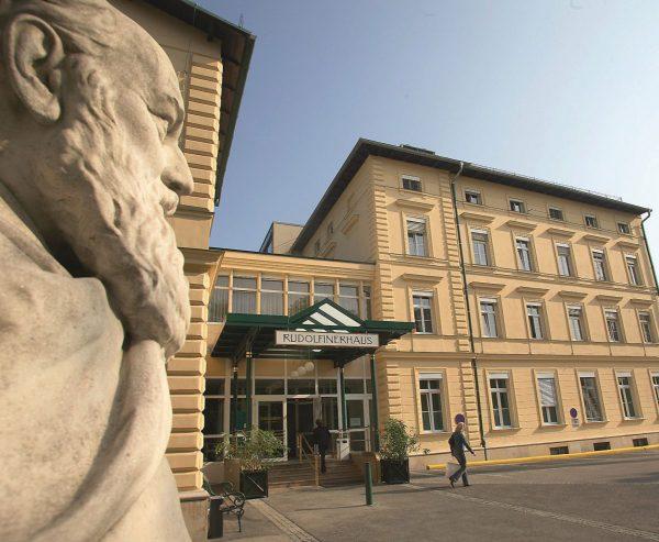 AT: Rudolfinerhaus und Universität Wien: Neues Projekt soll Selbstmanagement von Medikamenten für PatientInnen erleichtern