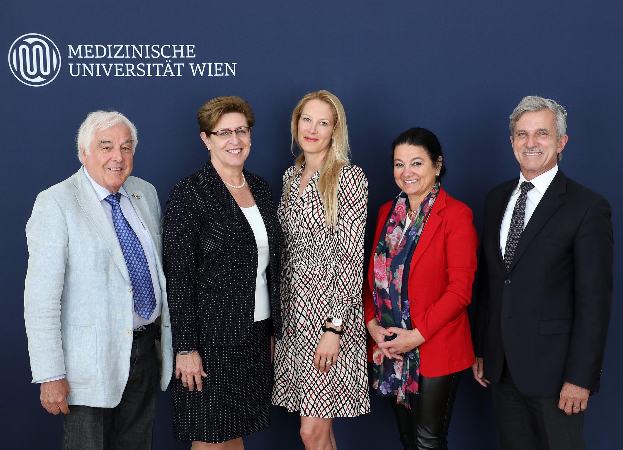 Eva Dichand neue Vorsitzende des UniversitŠtsrates der MedUni Wien