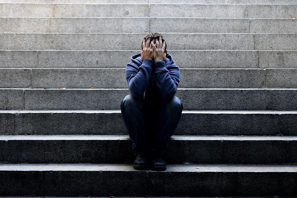 """AT: """"Papageno-Effekt"""": Aufklärung durch andere Menschen mit eigenen suizidalen """"Erfahrungen"""" kann Suizidgedanken verringern"""