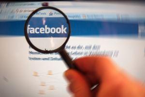 Facebook: Sozialer Vergleich ist nicht gesund (Foto: pixelio.de/Alexander Klaus)