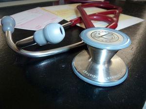 Arztbesuch: Einhaltung von Terminen ist wichtig (Foto: pixelio.de, Andrea Damm)