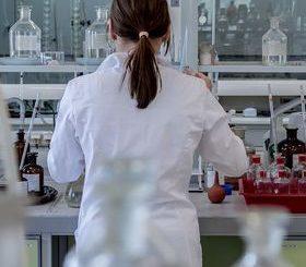 Im Labor: Krebsforscher erzielen Durchbruch (Foto: jarmoluk, pixabay.de)