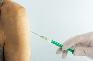 Spritze: Therapie gegen Asthma hilft nicht allen (Foto: pixelio.de/Bernd Kasper)