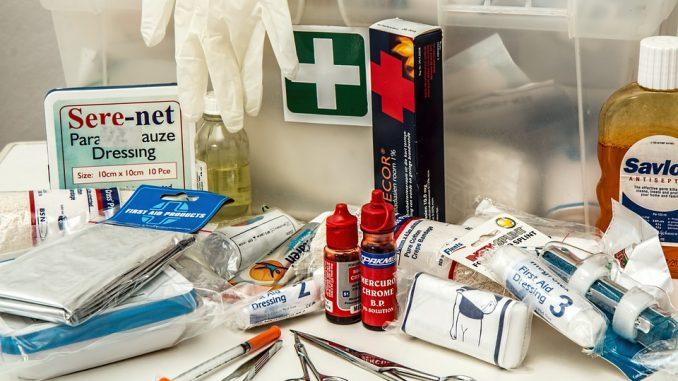 https://pixabay.com/en/first-aid-kit-first-aid-kit-medical-908591/