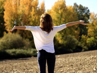https://pixabay.com/photos/happiness-joy-pure-air-freedom-1866081/